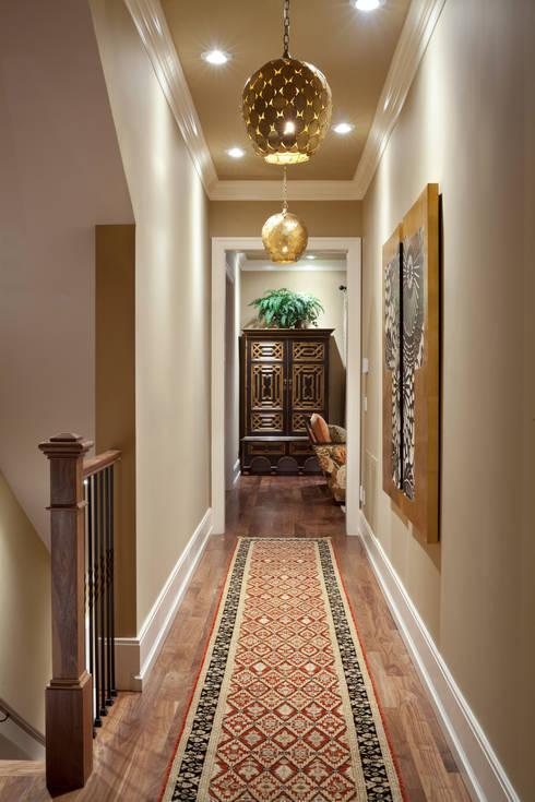 Corridor & hallway by Andrea Schumacher Interiors