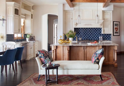 21st CenturyTraditional: classic Kitchen by Andrea Schumacher Interiors
