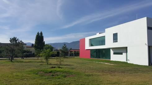 CASA PZ ARQUIMIA ARQUITECTOS: Casas de estilo moderno por Arquimia Arquitectos