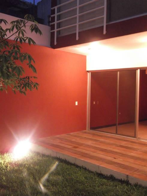 CASAS XOCOC-ATL ARQUIMIA ARQUITECTOS: Terrazas de estilo  por Arquimia Arquitectos