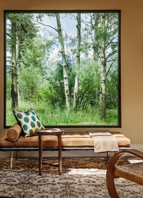 Vail Valley Retreat:  Corridor & hallway by Andrea Schumacher Interiors