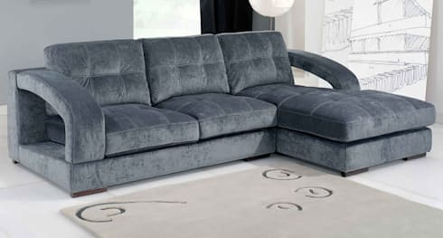 Sofás c/ chaiselong Sofas w / Chaiselong www.intense-mobiliario.com  RETIPUJ : Sala de estar  por Intense mobiliário e interiores;