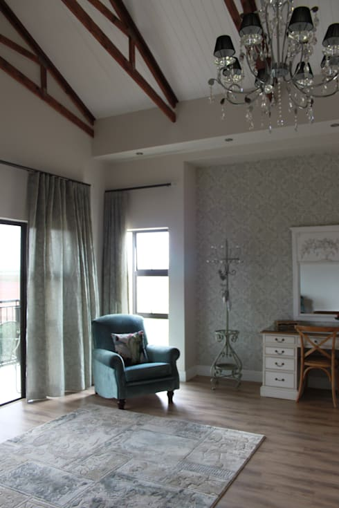Main Bedroom: country Bedroom by Inside Out Interiors