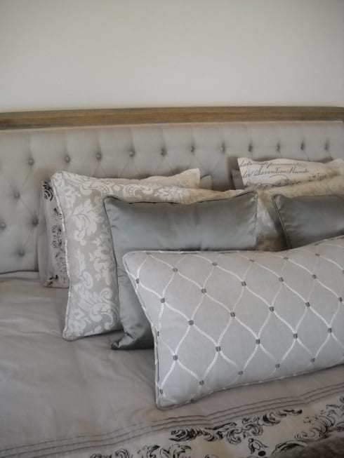 Bedding Accessories: country Bedroom by Inside Out Interiors