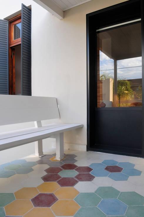 Terrazas de estilo  por Paula Herrero | Arquitectura