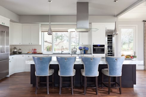 Elegant Modern and Timeless: classic Kitchen by Andrea Schumacher Interiors