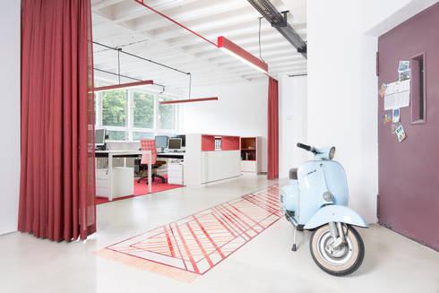 minimalistic Study/office by mori