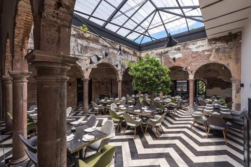 El Presidio Casa Bon : Terrazas de estilo  por Germán Velasco Arquitectos