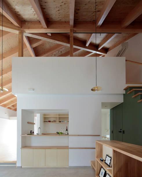 MU: 池田雪絵大野俊治 一級建築士事務所が手掛けたリビングです。