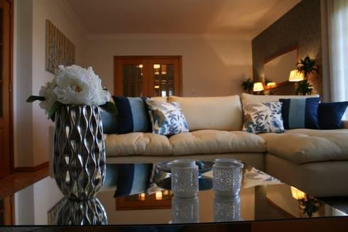 Acessórios, Flores: Sala de estar  por Palma Interiores