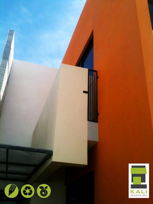 2 Place On Bridge (Construir en un Puente): Terrazas de estilo  por KALI diseño.MX
