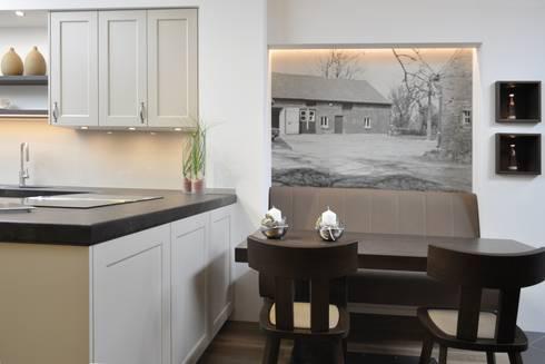 Lanhausküche mit vollpolsterbank nach maß in borken landhausstil küche von klocke möbelwerkstätte gmbh