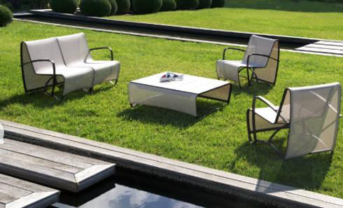 SALA 3.2.1. JET STREAM : Balcones y terrazas de estilo minimalista por SINDO OUTDOOR