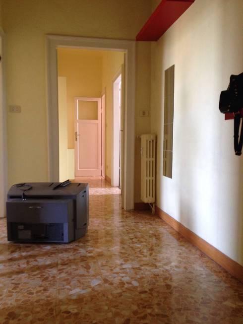 Pasillos y recibidores de estilo  por Francesca Greco  - HOME|Philosophy