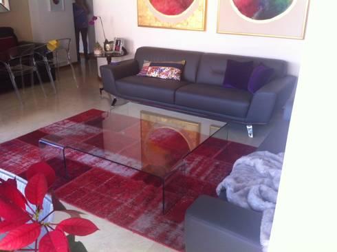 Proyecto Campo Alegre: Salas / recibidores de estilo moderno por THE muebles