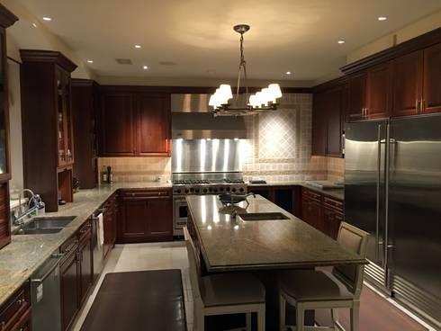 Kalorama Kitchen Lighting : classic Kitchen by Hinson Design Group