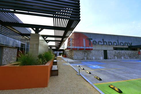 Areas de estar:  de estilo  por HADVD Arquitectos