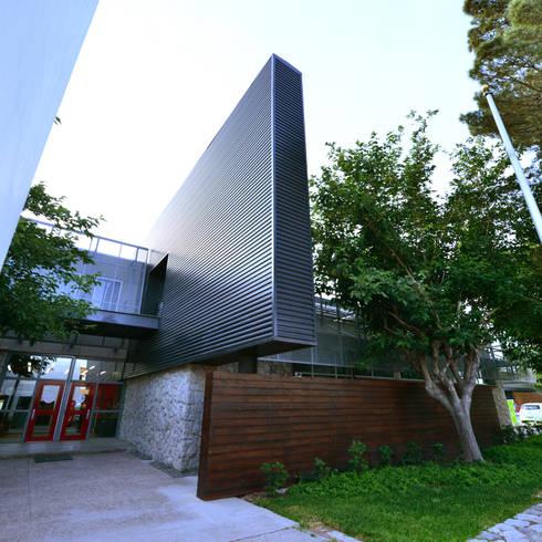Edificio Tera:  de estilo  por HADVD Arquitectos