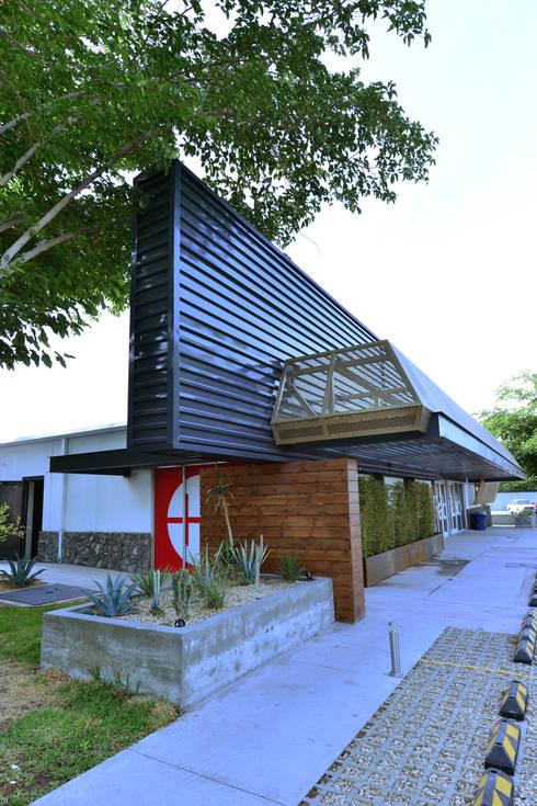Edificio Mega:  de estilo  por HADVD Arquitectos