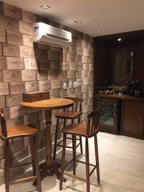 Bodegas de vino de estilo  por GEA Arquitetura