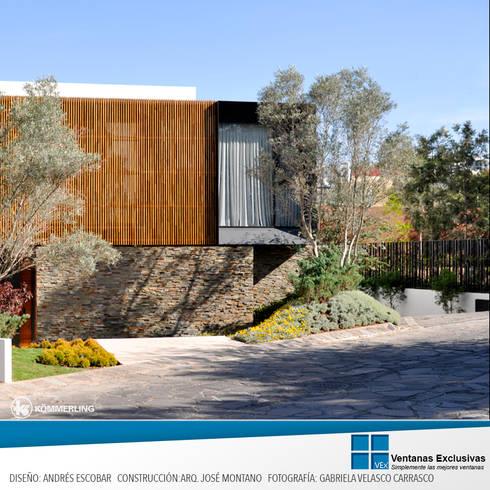 Armonía Visual: Puertas y ventanas de estilo moderno por Ventanas Exclusivas Guadalajara