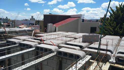 """PROYECTO  NUEVO """"TULIPANES """", PACHUCA HIDALGO: Casas de estilo moderno por ARQGC GRUPO CONSTRUCTOR"""