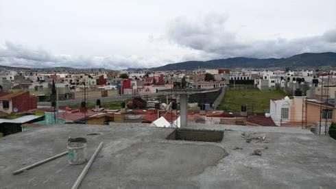OBRA EN CONSTRUCCIÓN COL, TULIPANES, PACHUCA HGO,: Casas de estilo moderno por ARQGC GRUPO CONSTRUCTOR