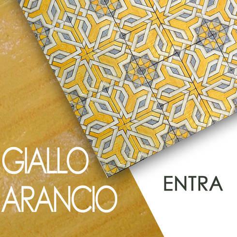 pavimenti e rivestimenti in maiolica decorati a mano: Pareti & Pavimenti in stile in stile Classico di  Ceramiche Militello