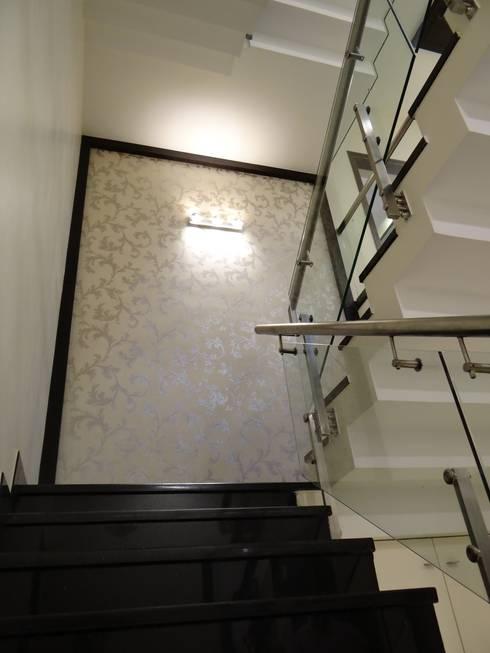 Stairway:  Corridor & hallway by Hasta architects