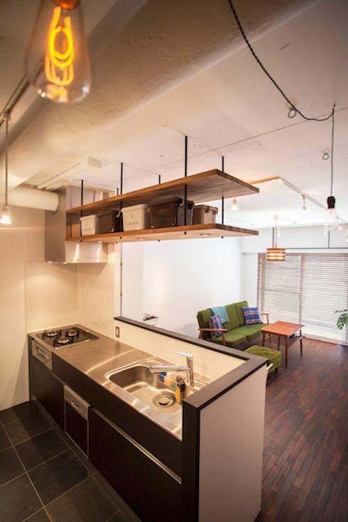 Projekty,  Kuchnia zaprojektowane przez 株式会社ブルースタジオ