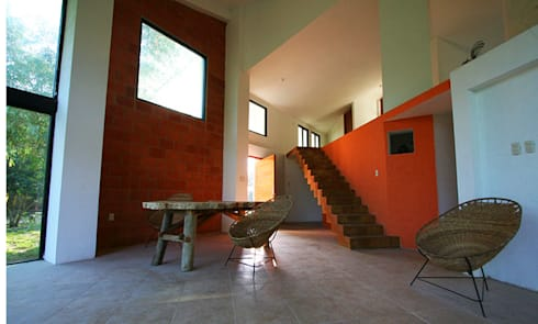 Sala - comedor: Casas de estilo moderno por PRISMA ARQUITECTOS