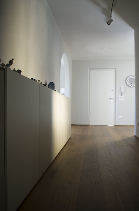 VV_LAD: Ingresso & Corridoio in stile  di LAD studio