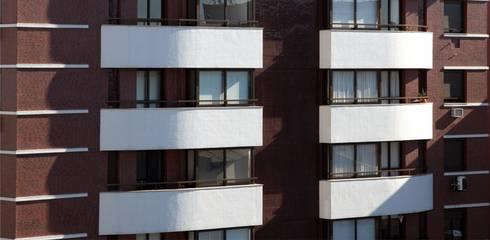 Fachada - Detalhe: Casas modernas por André Petracco Arquitetura