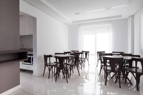 Salão de Festas: Salas de jantar modernas por André Petracco Arquitetura