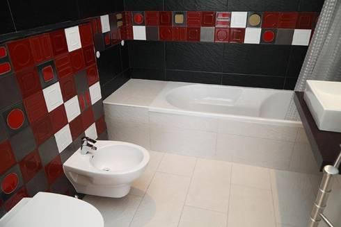 Villas Rocha 5: Casas de banho ecléticas por Atelier  Ana Leonor Rocha