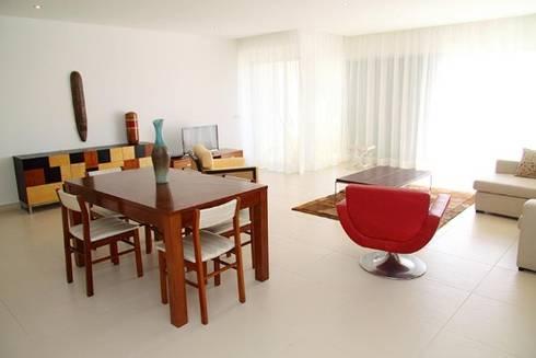 Villas Rocha 5: Salas de jantar ecléticas por Atelier  Ana Leonor Rocha