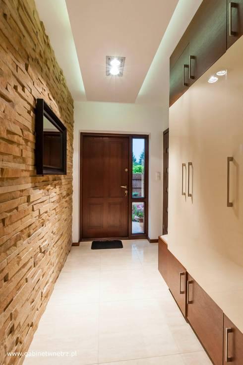 Corridor & hallway by Gabinet Wnętrz