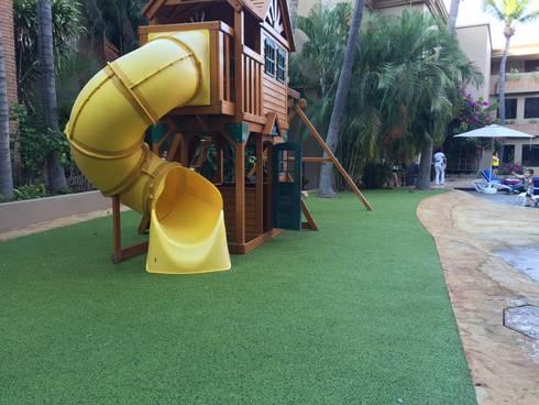 Piso Infantil de seguridad: Hoteles de estilo  por Adoria Aplicaciones Técnicas
