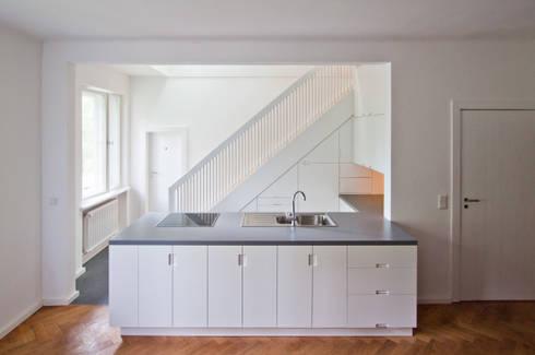 ilsensteinweg: modern Kitchen by brandt+simon architekten