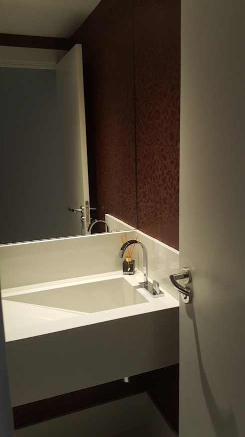 Detalhe da cuba esculpida para o lavabo.:   por Lucio Nocito Arquitetura e Design de Interiores