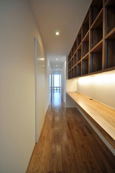 門一級建築士事務所의  서재 & 사무실