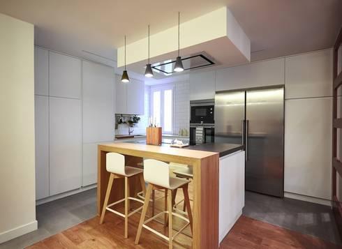 Dise o de cocina abierta al sal n de l nea 3 cocinas for Disenos cocinas abiertas