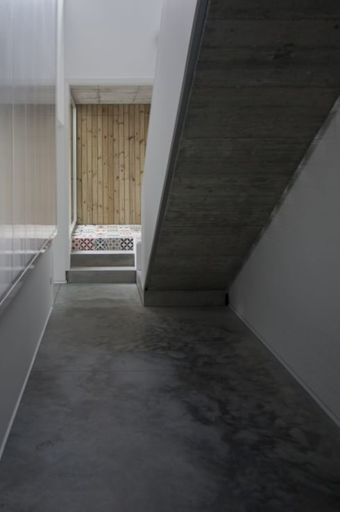 Коридор и прихожая в . Автор – Fernández Luna Oficina de Arquitectura SCP