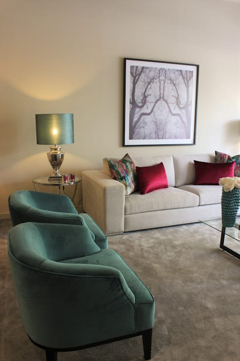 Montra : Salas de estar modernas por NOZ-MOSCADA INTERIORES