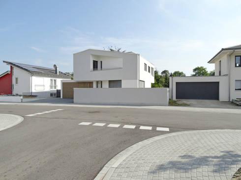 Einfamilienhaus Wagh\u00e4usel von miccoli Architektur I