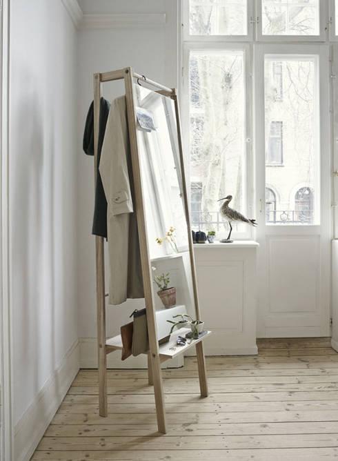 Garderobenständer PUSH Von Skagerak Aus Hochwertigem Holz Mit Spiegel