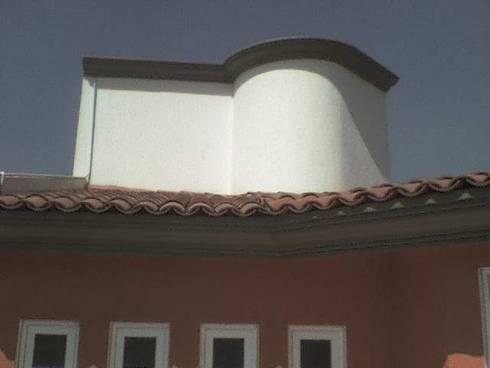 Casa Moreno: Casas de estilo moderno por Rueda Arquitectura y Bienes Raíces