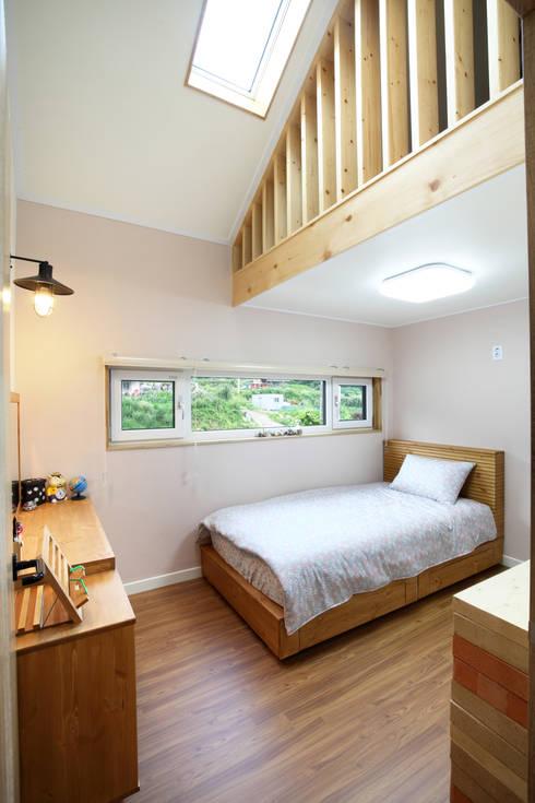Bedroom by 주택설계전문 디자인그룹 홈스타일토토