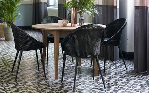 blue wall design gmbh new loom blue wall design homify. Black Bedroom Furniture Sets. Home Design Ideas