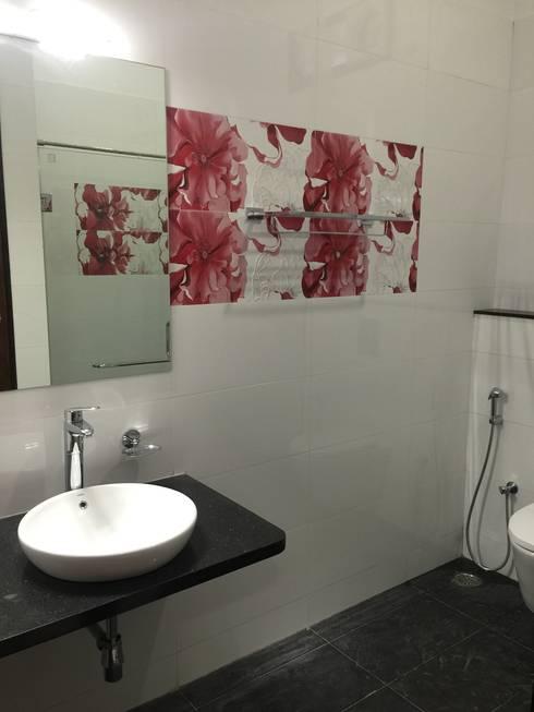 Children bathroom: modern Bathroom by Hasta architects